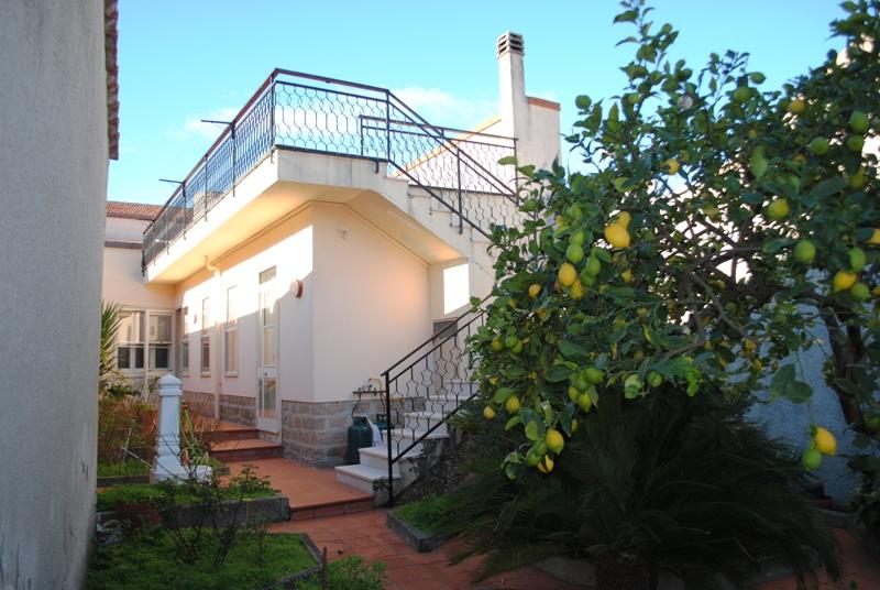 Tissi ampia casa indipendente in perfette condizioni con giardino di propriet�